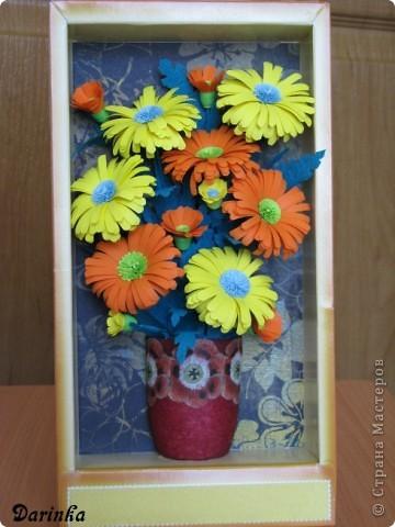 Приветствую всех,кто зашёл ко мне в гости!!!  Ромашки-мои любимые цветы,и вот наконец-то руки дошли и до них.Оранжевых ромашек я конечно не встречала,но захотелось чего то яркого и солнечного.Надеюсь,что получилось не плохо. фото 1