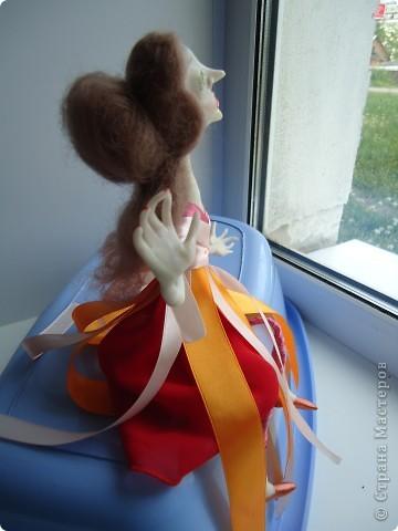 Вообще хотелось сделать куклу не похожую на всех и нестандартную. Но как всегда - не получилось фото 3