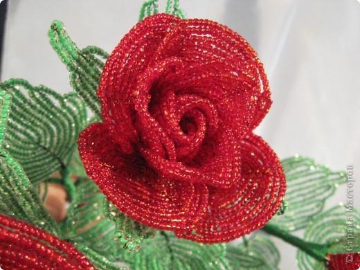 Розы из бисера фото 4