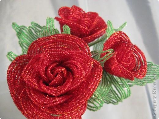 Розы из бисера фото 2