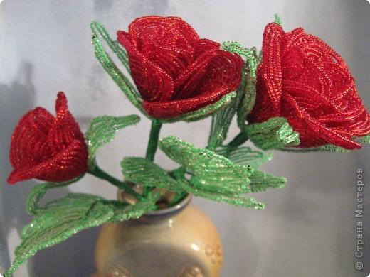 Розы из бисера фото 3