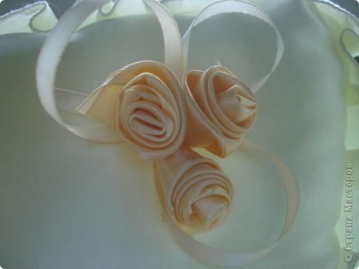 Такая вот подушечка получилась к юбилею свадьбы родителей. фото 5