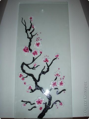 Сакура на стекле