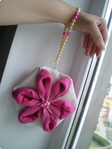 """Здравствуйте! Буду рада поделиться еще одним своим творением :) Это сумочка и хочется назвать ее """"Цветение"""". Не столько идею сумочки, но идею создания цветка подхватила вот отсюда http://yulechka-inspiration.blogspot.com/ фото 3"""