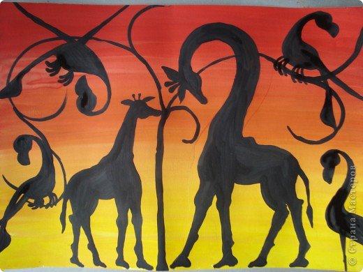 Сегодня вспомнила своё давнее увлечение стилем Тинга Тинга.Хочу увлечь и вас.  Живопись тингатинга появилась в Танзании 60-х годах ХХ века, название получила по имени основателя направления – Эдуардо Саиди Тингатинга.Первые картины рисовались на картоне, а прежде всего – на стенах домов.Изначально все работы были размером примерно 60х60 см, что привело к тому, что в некоторых источниках тингатинга именуется «квадратная живопись».  Несмотря на то, что это искусство постоянно развивается и приобретает новые сюжеты, выделяются некие общие черты:  1.как правило, одноцветный фон с небольшим количеством оттенков;  2.основной мотив наносится с помощью простых и четких линий и, как правило, занимает почти весь фон;  3.отсутствие перспективы;  4.размашистость и зачастую повторяющийся рисунок линий придает изображению характер живого экспрессивного орнамента. фото 6