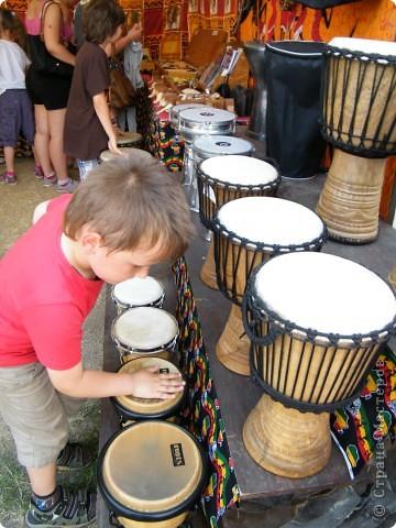Африка-фестиваль 2011. Часть 3. Ткани, сумки, обувь, барабаны фото 49