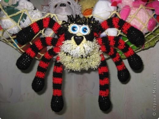 Вот такой гамак-паук для игрушек фото 2