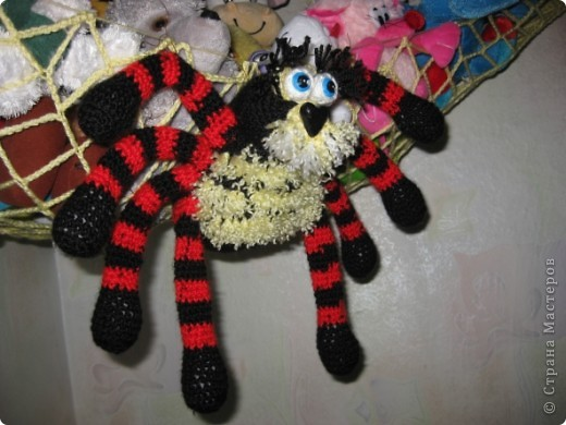 Вот такой гамак-паук для игрушек фото 3