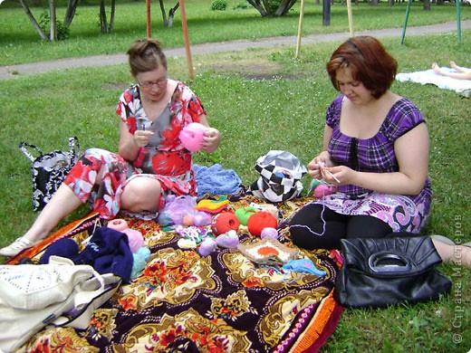 Всемирный день вязания на публике проходит во вторую субботу июня. фото 9