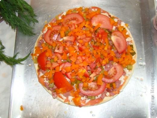 Я очень люблю пиццу, поэтому с удовольствием помогаю маме её готовить.  фото 6