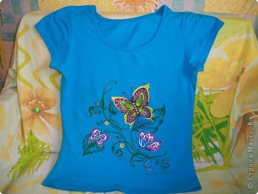 Бабочки над лилией фото 2