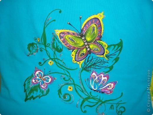 Бабочки над лилией фото 3