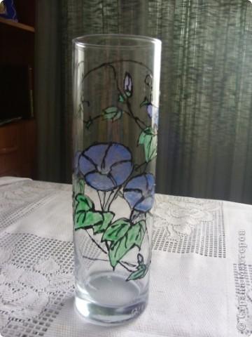 К предстоящему выпускному в садике у старшей дочери решили сделать с ней подарки воспитателям. Вазочка раскрашена витражными красками. Контур рисовала я , раскрашивала Лиза (6,5 лет) фото 8