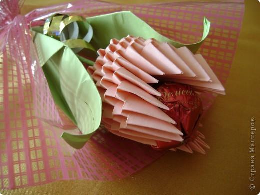 """Хорошо, когда можно совместить приятное с полезным! Вот такие вот тюльпанчики я сделала в подарок участницам конкурса """"Калейдоскоп педагогических идей"""". фото 5"""