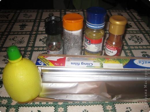 понадобится:  сёмга, лимонный сок, перец, соль, паприка, кари.     фото 1