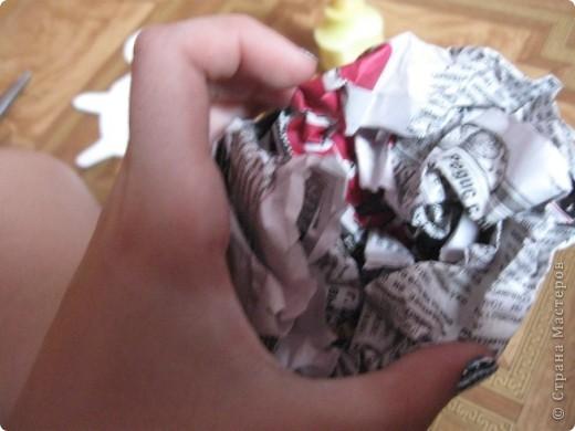Вот такую черепашку мы сегодня будем делать для работы нам нужно газета ножницы клей ПВА зеленый картон цветная бумага  фото 3