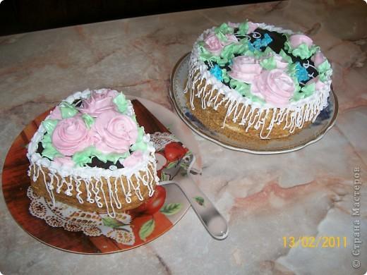Тортик пражский,крем сметанный.Украшение-безе. фото 4