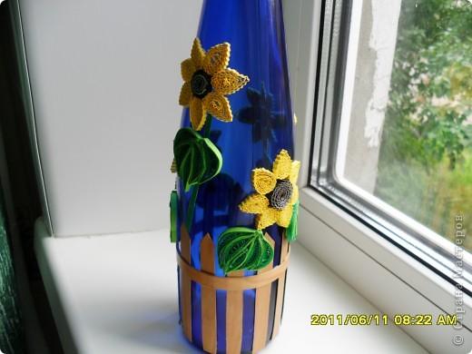 Это моя первая попытка оформить бутылочку в дополнение к моим подсолнухам. Идею подсмотрела в дневнике у Лизы, спасибо ей большое! Ну а дальше- уже сама нафантазировала.  фото 2