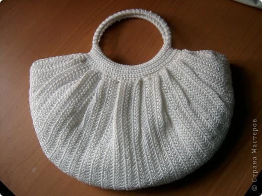 Наконец-то я доделала свой мешочек-сумочку.  Делала по МК Елены: http://stranamasterov.ru/node/82100  За который огромное спасибо! Лежала связанная еще с прошлого года. Но поскольку она у меня летняя, то доделать ее только сейчас руки дошли.  фото 1
