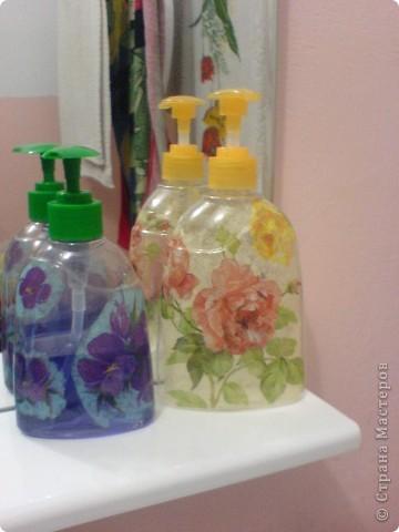 Декупаж баночки от жидкого мыла!! фото 9