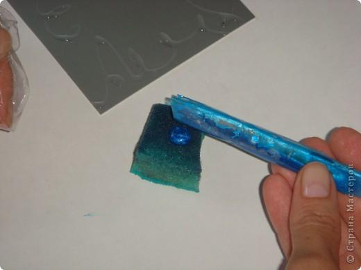 Для карточек АТС я применила бумагу, которую сделала сама. Как делать такого рода бумагу для фона рассказывается здесь: http://scraphouse.ru/videos/technique-using-rubber-cement.html фото 6