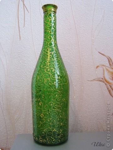 Бутылка - подарок мужу, росписана витражными красками. фото 6