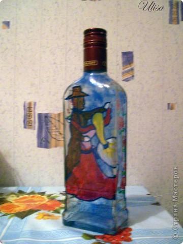 Бутылка - подарок мужу, росписана витражными красками. фото 1