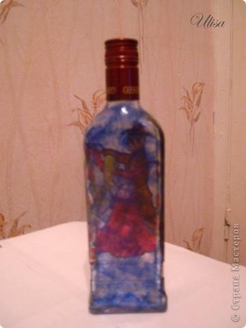 Бутылка - подарок мужу, росписана витражными красками. фото 3
