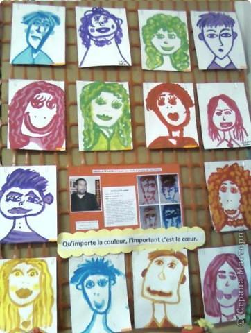 Работы детей (3-4 классы) на манер известных марокканских художников. В середине панно или чуть по ниже находится фото художника и его работы, а вокруг работы детей на манер этого художника. Получилось очень интересно, под час казалось, что некоторые работы детей превосходили работы самих художников.   Художник: Mohamed Hamri  (Мохамед Хамри) фото 9