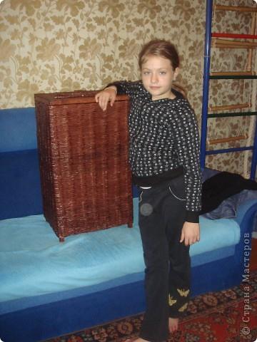 оплетала деревянный каркас из под старой корзины для белья фото 3