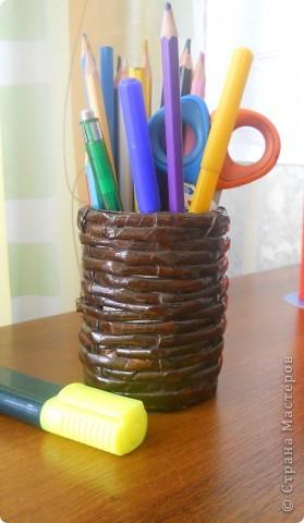 Мой первый плетёный стаканчик для карандашей.