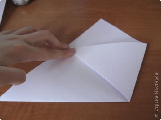 Всем Привет вот такой стаканчик мы сегодня будем делать и это очень легко для работы нам понадобится желательно лист бумаги А4 и ножницы фото 5