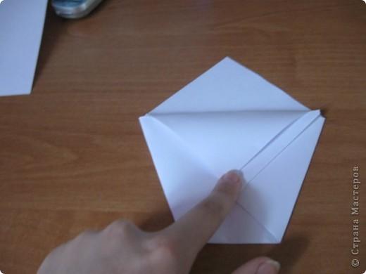 Всем Привет вот такой стаканчик мы сегодня будем делать и это очень легко для работы нам понадобится желательно лист бумаги А4 и ножницы фото 7