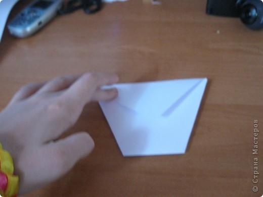 Всем Привет вот такой стаканчик мы сегодня будем делать и это очень легко для работы нам понадобится желательно лист бумаги А4 и ножницы фото 8