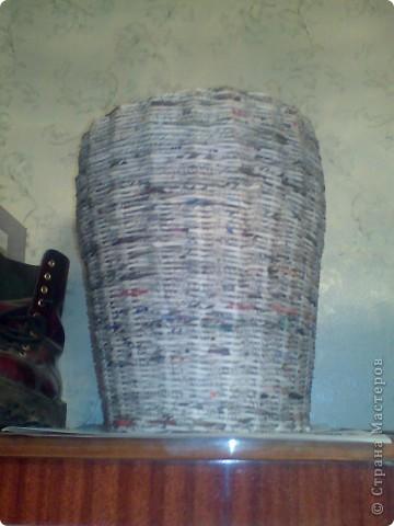 После ремонта в ванной потребовалась корзина для белья. Цены в магазинах сильно напугали,  да и нужной не находилось. И я собралась с силами попробовать сделать самой.  фото 7