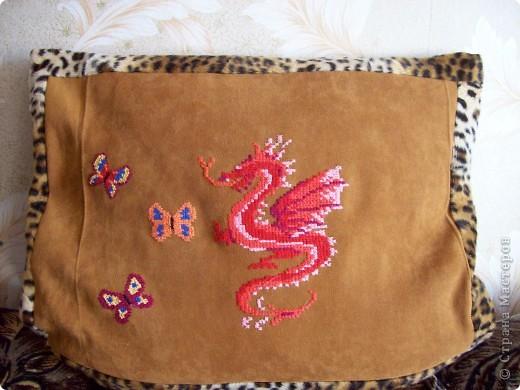 диванная подушка для дочери (с одной стороны) фото 3
