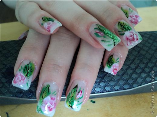 Хотелось показать новые работы с росписью ногтей. На ноготках сложнее рисовать из-за того, что площадь маленькая, особенно на натуральных. фото 1