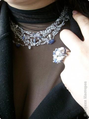 воздушная цепочка. бисер, каменная крошка.  кольцо на основе с дырочками, ланка. фото 2
