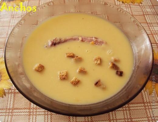 Гороховый суп-пюре с копчеными ребрышками. фото 1