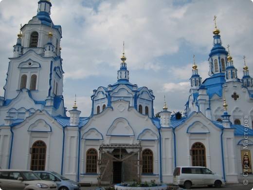 Ну вот она, Знаменская церковь. Все пять лет, пока училась, я видела её каждый день. фото 2