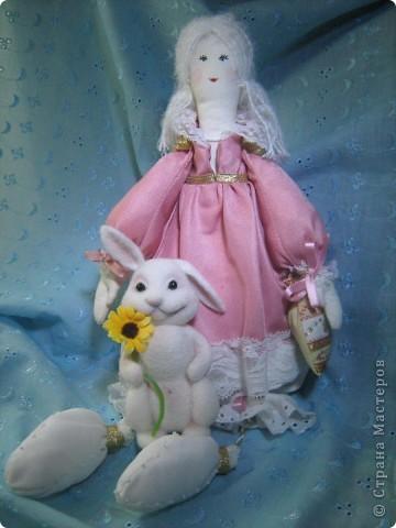 Моя первая текстильная куколка))) Не последняя)))) Оказывается шить кукол - это безумно интересно и увлекательно! Рост 40 см, сидя 33 см. фото 1