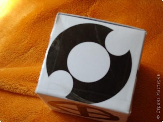 тоже для развития зрения + коробочка для игрушек от мобиля фото 3