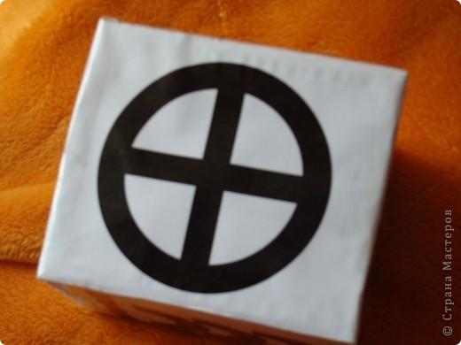 тоже для развития зрения + коробочка для игрушек от мобиля фото 4