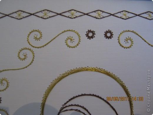 Формат А4. Нитки обычные швейные + золотые. фото 3