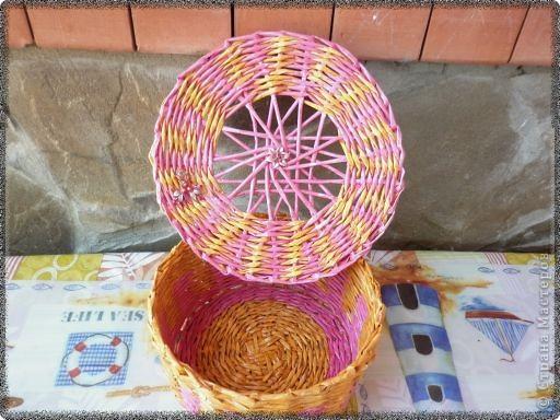 По советам мастериц сайта у меня появилась шкатулочка из трубочек, окрашенных красителями для яиц. фото 2