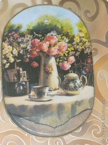 досочка делалась в подарок учительнице, использовала распечатку, дорисовка акварельными красками, лак фото 1