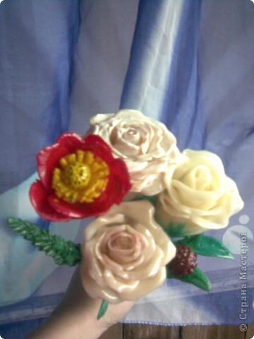 Всем мастерицам привет!!!Вот и закончила я лепить свои розы,мне очень хотелось чтобы они получились больше,чем первые.Это мне удалось,но только все три розы получились разные))) фото 4