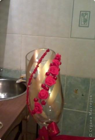 делала первый раз бутылку такую ))) Бокалы эти были для  жениха  и невесты  и  свидетелей  фото 4