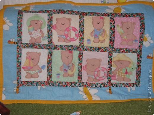 Мишки были с разной ткани. Точнее рисунки одинаковые, но одна ткань была на флизелине и как бы прострочена, а другая простая бязь. фото 1
