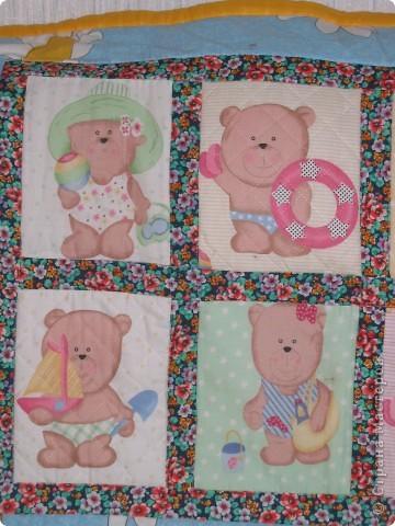 Мишки были с разной ткани. Точнее рисунки одинаковые, но одна ткань была на флизелине и как бы прострочена, а другая простая бязь. фото 3